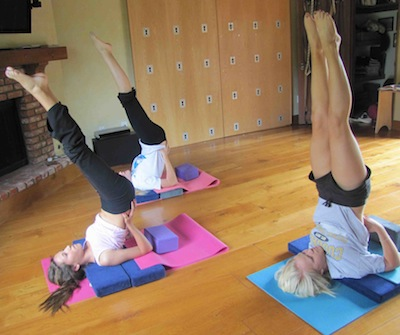 an essay on yoga and meditation The benefits of yoga and meditation in today's environment, many people are suffering with the stress and anxiety of day to day living and are finding themselves unable to cope with life's little emergencies.
